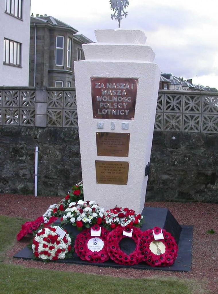 Pomnik Polskiej Marynarki Wojennej w Prestwick3