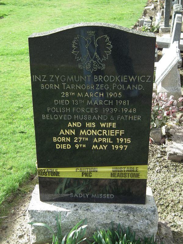 polski cmentarz wojskowy w Perth - Wellshill Cemetery 2