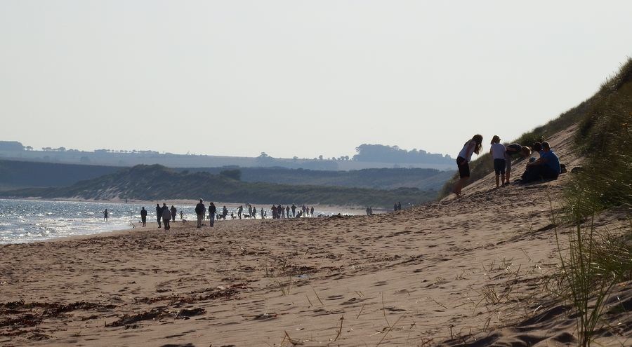 plaża Lunan Bay i ruiny Red Castle