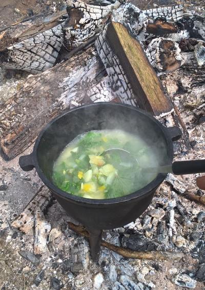 szkocka zupa z pokrzywy