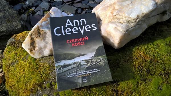 czerwień kości - recenzja książki